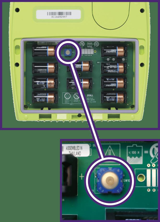 Paristojen vaihtaminen ZOLL AED Plus -defibrillaattoriin